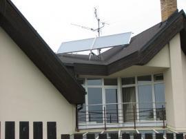 Foto: Regulus, netypické umístění na šikmé střeše