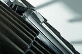 Foto: Roto, Roto Designo R8 splývá se střešní krytinou