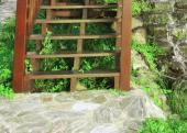 Ilustrační foto (www.shutterstock.com), dřevěné schody