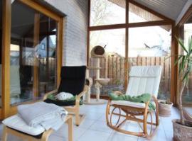 Ilustrační foto (www.shutterstock.com), relaxace v zimní zahradě - prostřeno