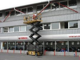 Foto: Miroslav Jelínek, práce na vysokozdvižné plošině