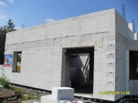 Foto: Ekonomické stavby