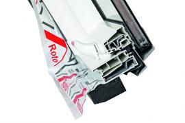 Foto: ROTO stavební elementy, řez křídlem střešního výlezu Roto WDA R3