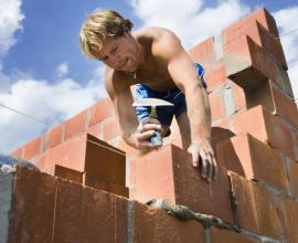 Ilustrační foto (www.shutterstock.com), dutinové cihelné bloky