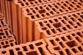 Ilustrační foto (www.shutterstock.com), broušené cihelné bloky