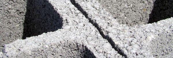 Ilustrační foto (www.shutterstock.com), betonové tvárnice pro ztracené bednění