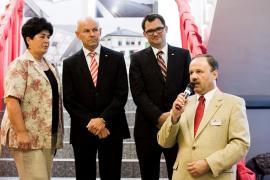 Zleva: PhDr. Marie Svačinová (tlumočnice), Erich Rosenkranz (člen představenstva skupiny Roto Frank, Krzysztof Stremlau (jednatel pro ČR a SR), Ing. Lubomír Kodad (Country manažer pro ČR a SR)
