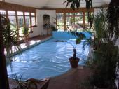 Foto: KOSTEČKA GROUP, vnitřní bazén přikrytý solární plachtou