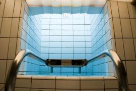 Ilustrační foto (www.shutterstock.com), bazén s ledovou vodou, určený k sauně na schlazení