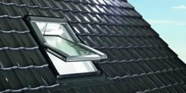 Foto: www.roto-frank.cz, nízkoenergetické kyvné okno Designo R6