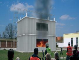 Požární test dvoupodlažního objektu ve Veselí nad Lužnicí