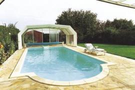 Foto: Desjoyaux, podchozí bezkolejnicové zastřešení bazénů