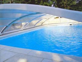 Foto: Desjoyaux, obloukové bezkolejnicové zastřešení bazénů