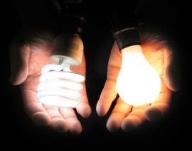 Ilustrační foto (www.shutterstock.com), úsporná zářivka