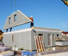 Ilustrační foto (www.shutterstock.com), konstrukce montované dřevostavby