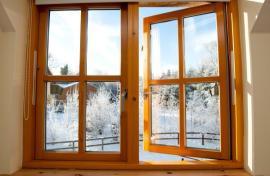 Ilustrační foto (www.shutterstock.com), dřevěné okno