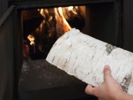 Ilustrační foto (www.shutterstock.com), palivové březové dřevo
