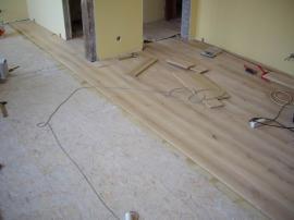 Foto: Podlahy Zeus, pokládka podlahové krytiny