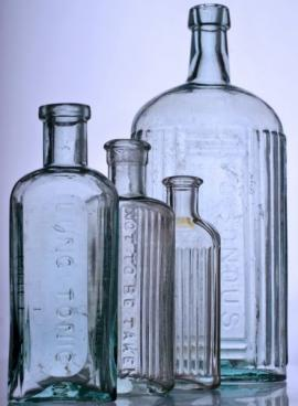 Ilustrační foto (www.shutterstock.com), starožitné sklo