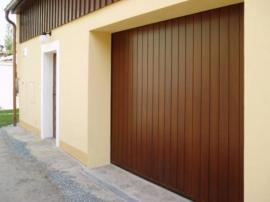 Foto: TRIDO, sekční garážová vrata TRIDO Evo, svislé lamely