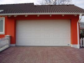 Foto: TRIDO, sekční garážová vrata TRIDO Evo