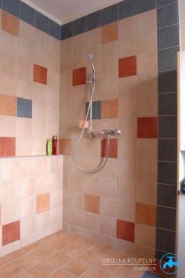 Foto: Koupelny-Obselka, prostorný sprchový kout