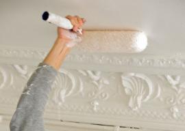 Malování stropu válečkem