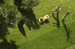 Sekání trávníku, naposledy před zimou