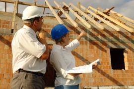 Stavební dozor se stavbeníkem
