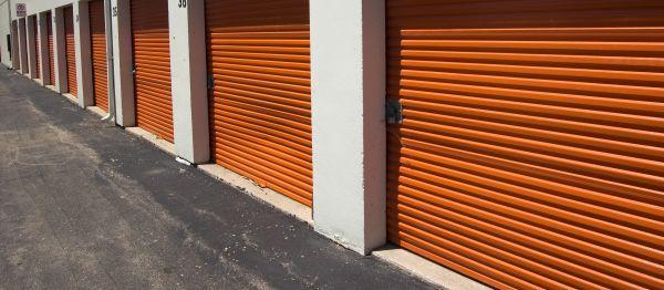 Velmi výhodná investice - nájemní řadové garáže ve městě