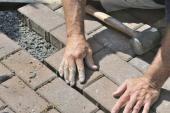 Pokládka zámkové betonové dlažby