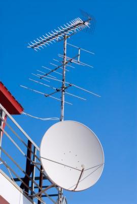 Analogová anténa a satelit