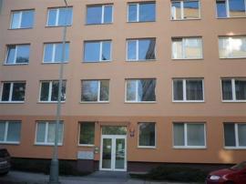 Konkrétní realizace oken v bytovém domě