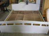 Bazarový nábytek - postel s rošty
