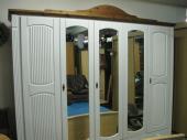 Bazarový nábytek - skříň