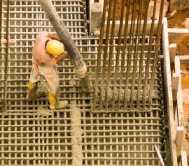 Vylévání armatur betonem