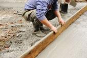 Zarovnávání betonové plochy