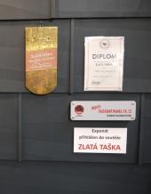 Vystavené ocenění Zlatá taška 2012