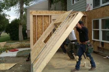 V Americe netypický jev, přístavba k původní dřevostavbě