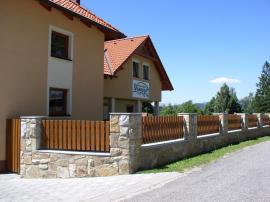 Realizace plastového plotu v Černé