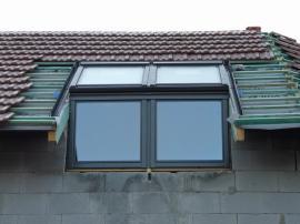 Vsazení střešních oken do krovu, pohled zvenčí