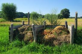 Kompost na odlehlém místě, bohužel nezastíněný