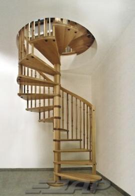 Celodřevěné točité schodiště JAP