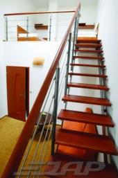 Bočnicové schodiště JAP