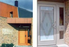 Dveře před a po renovaci