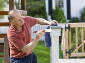 Nátěr dřevěného terasového zábradlí