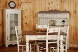 I starší nábytek působí po renovaci dobře