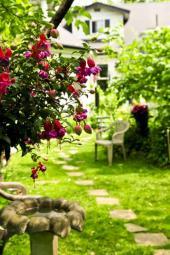 Chodník na zahradě