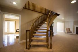 Luxusní provedení dřevěného schodiště