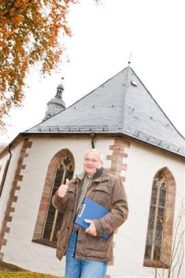 Dipl. Ing. Rolf Greifendorf dokázal vyřešit nelehký úkol. V kostele funguje bez velkých stavebních zásahů úsporné a rychlé vytápění, aniž by byl narušen specifický ráz této stavby.